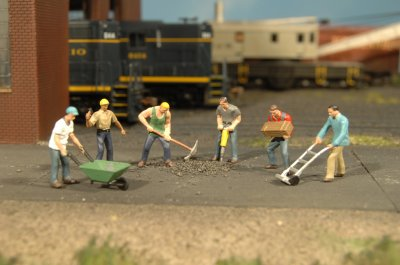 O-SCALE CONSTRUCTION WORKERS/ 6 Pcs.