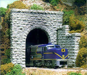 N Scale Single Random Stone Portal Scenic Express